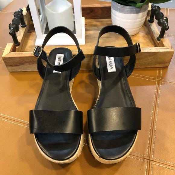9be31989c0d *NEW* Steve Madden Busy Black Leather Platform NWT